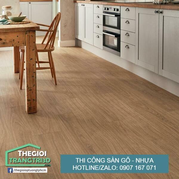 Sàn nhựa giả gỗ bền không, thi công sàn gỗ nhựa Hóc Môn