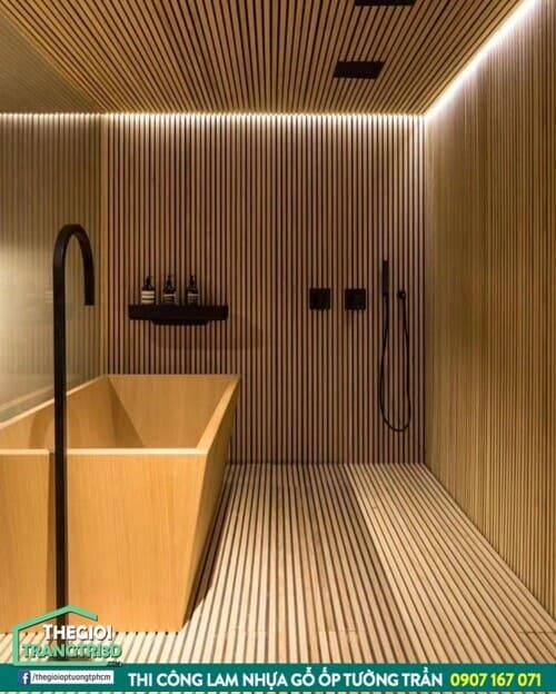 lam gỗ nhựa ốp tường trần phòng tắm